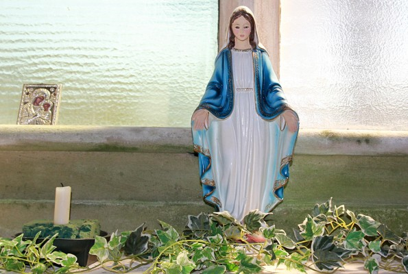 Beeldje in St Mary en St Finnan Kerk